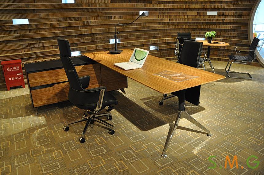 木纹老板桌3