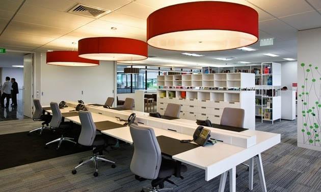 员工办公桌应该如何设计